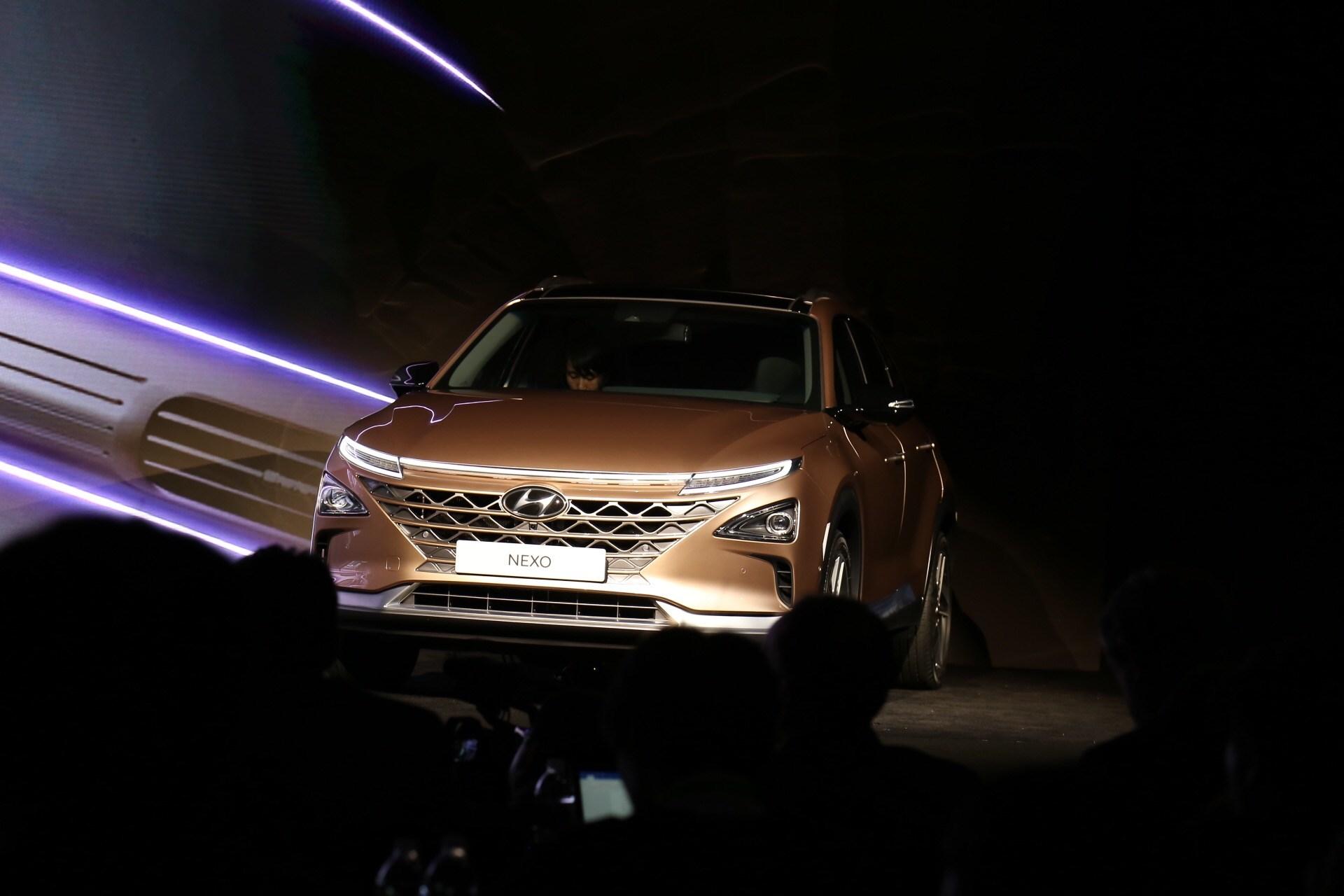 抢先实拍现代NEXO 第二代氢燃料电池SUV