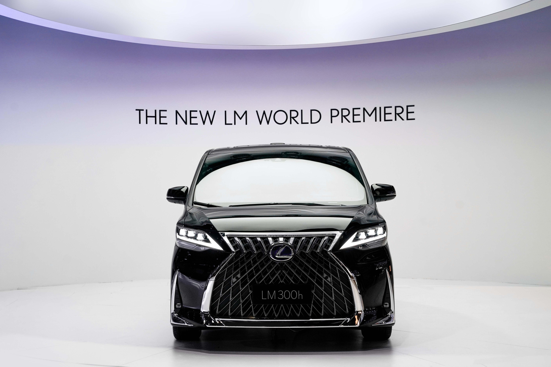 LEXUS雷克萨斯旗舰级豪华MPV全新LM于2019上海车展全球首发