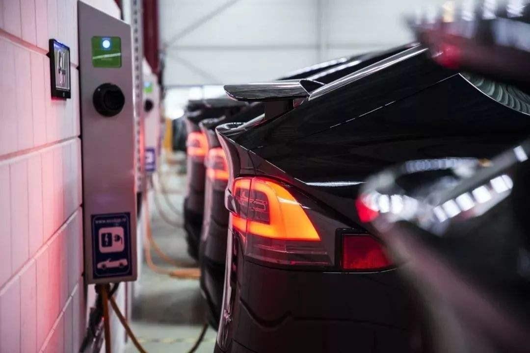 关于起火事件 好好说说电动车安全那些事   汽车产经