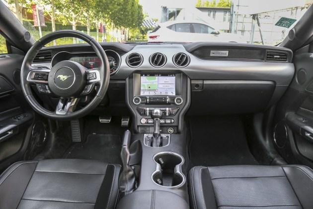 进口福特Mustang上市两款新车 市场售价38.56万起