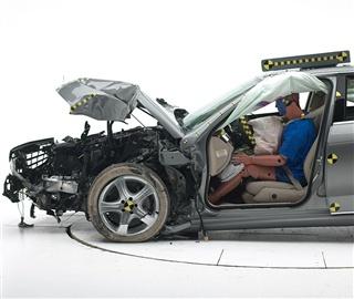 美规IIHS碰撞公布 高尔夫GTI/奔驰新E级
