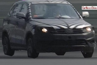 奔腾全新SUV路试谍照曝光 或命名奔腾X70