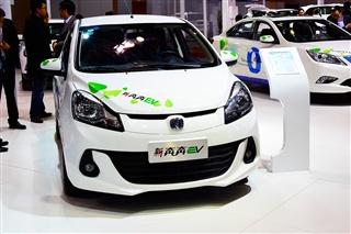 长安新奔奔EV实拍图解 新能源车型新选择