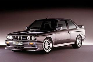 """一款""""形态多端""""的运动轿车 BMW E30"""