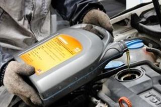 【用车宝典】机油使用四大误区 切记!