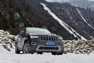 感受雪的魅力 Jeep大切诺基冰雪自驾之旅