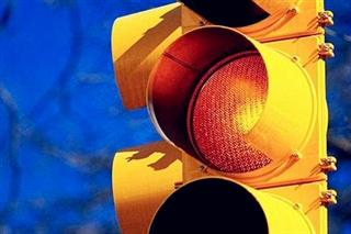 【法律在线】闯交通信号灯到底扣几分?