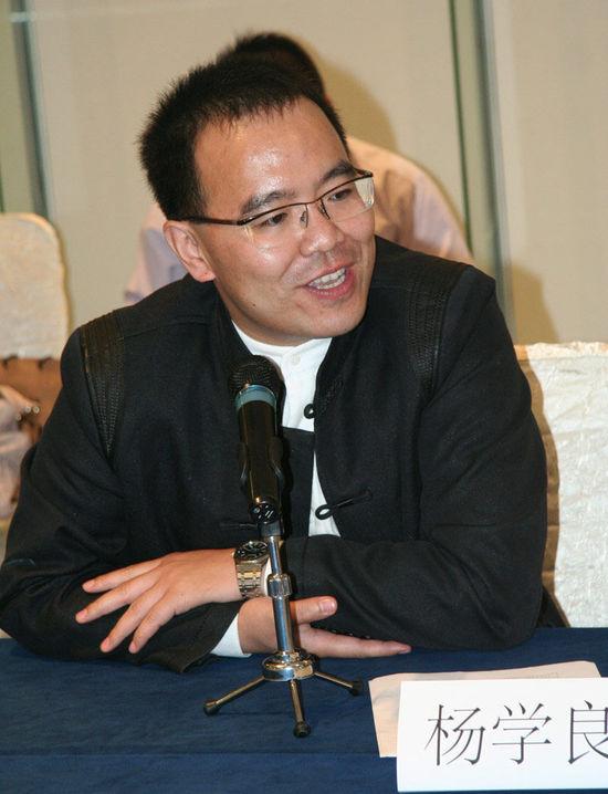 杨学良:吉利明年网上卖车 不会影响4S店
