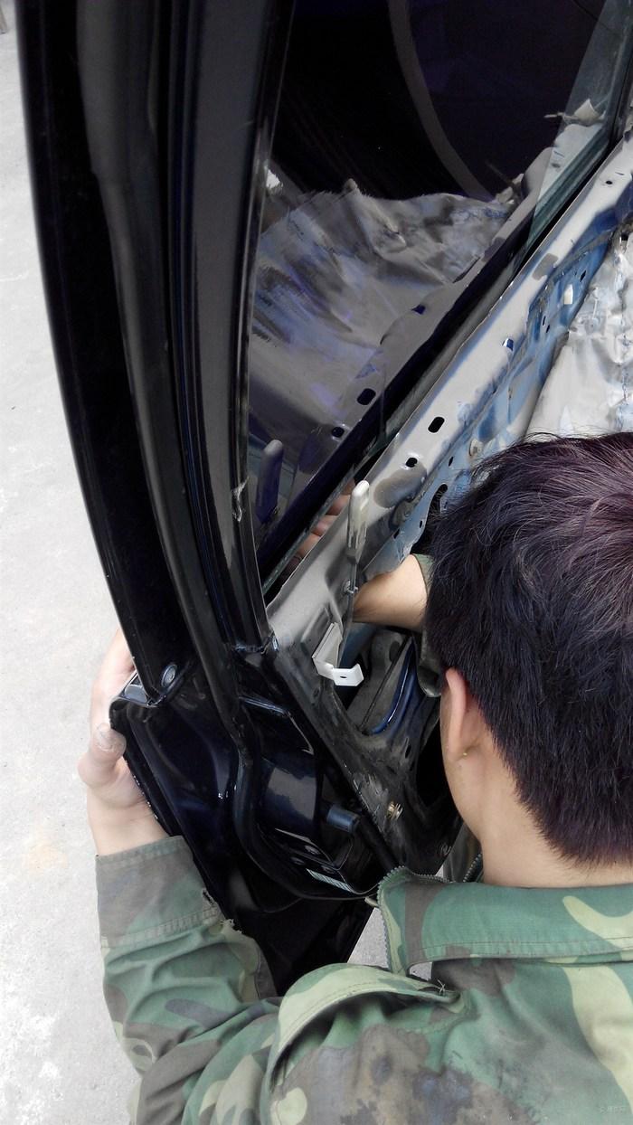车主 蓝色海马323换锁芯高清图片