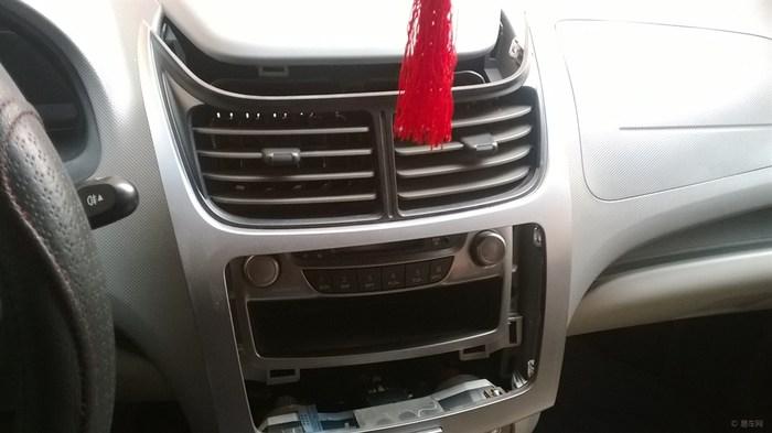 车主自己更换新赛欧cd机高清图片