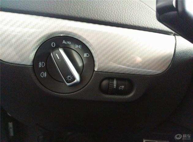 宝来一生之追随   中控台左侧灯光调节按钮.   中控导航仪.以及档把图片