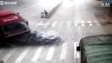 好恐怖!监控实拍韶关犁市309厂重大车祸