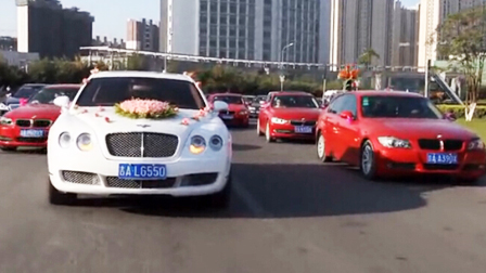 最豪华的婚礼车队_实拍吉林豪华婚礼车队