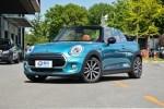 同价格同出身的两款车,你会做出哪种选择?