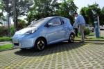试驾荣威E50电动车 都市代步新选择