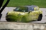 2013款MINI最新路试谍照 车身尺寸加大