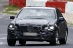 新款奔驰E级再曝轻伪装谍照 明年正式发布