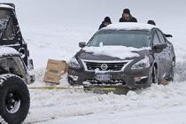 说一说在冰雪路面上的正确驾驶方式