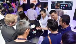 通向全面互联:大众汽车品牌全智能手机镜像科技于世界