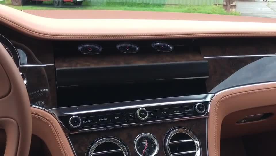 全新欧陆GT三面翻转中控面板展示