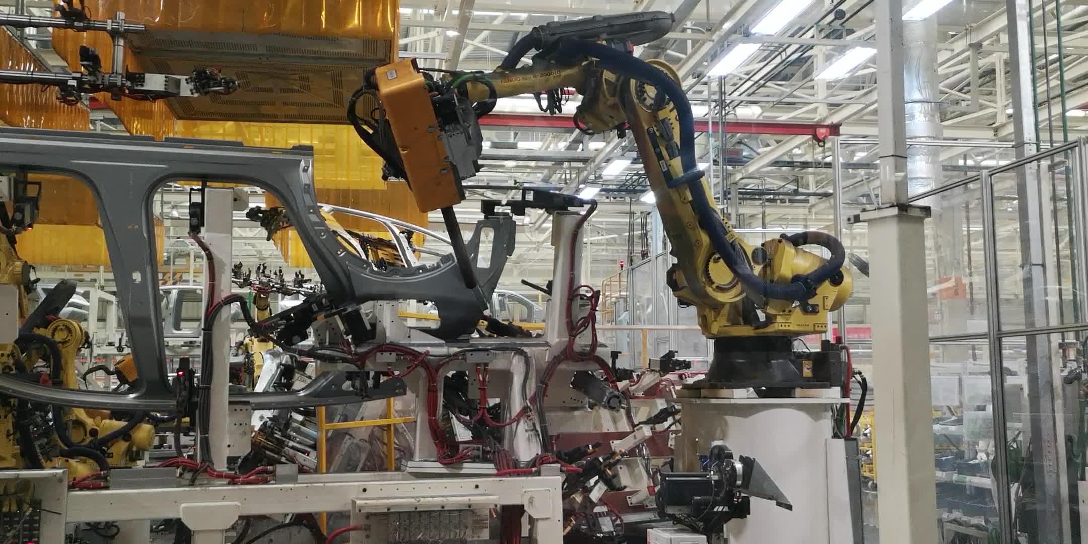神龙成都工厂:焊接车间