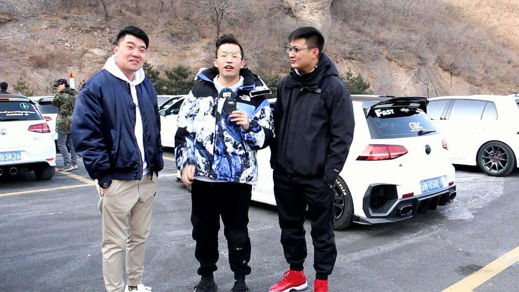 """【专访】京西妙峰山上的""""pǎo""""客们"""
