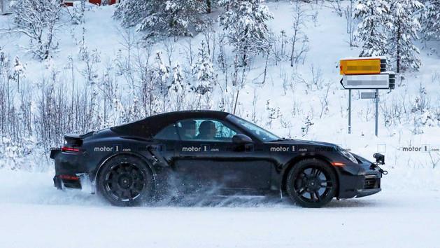 新款保时捷911 Turbo S Cabrio谍照曝光 或明年上市