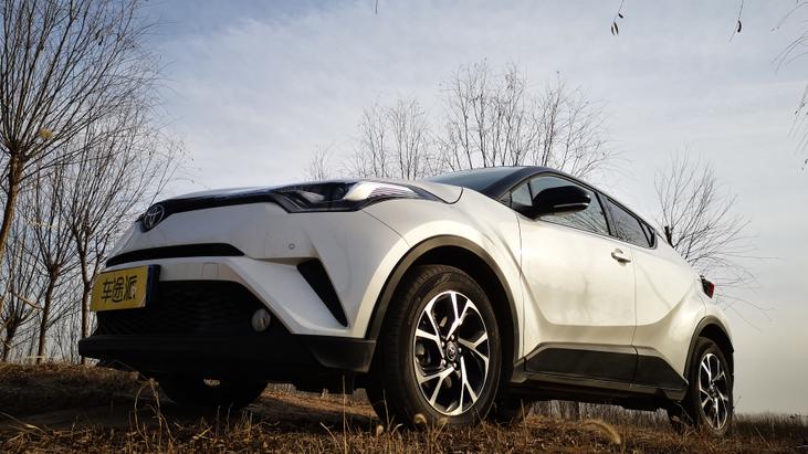 丰田C-HR到底值得买吗?老司机实车测评说了实话