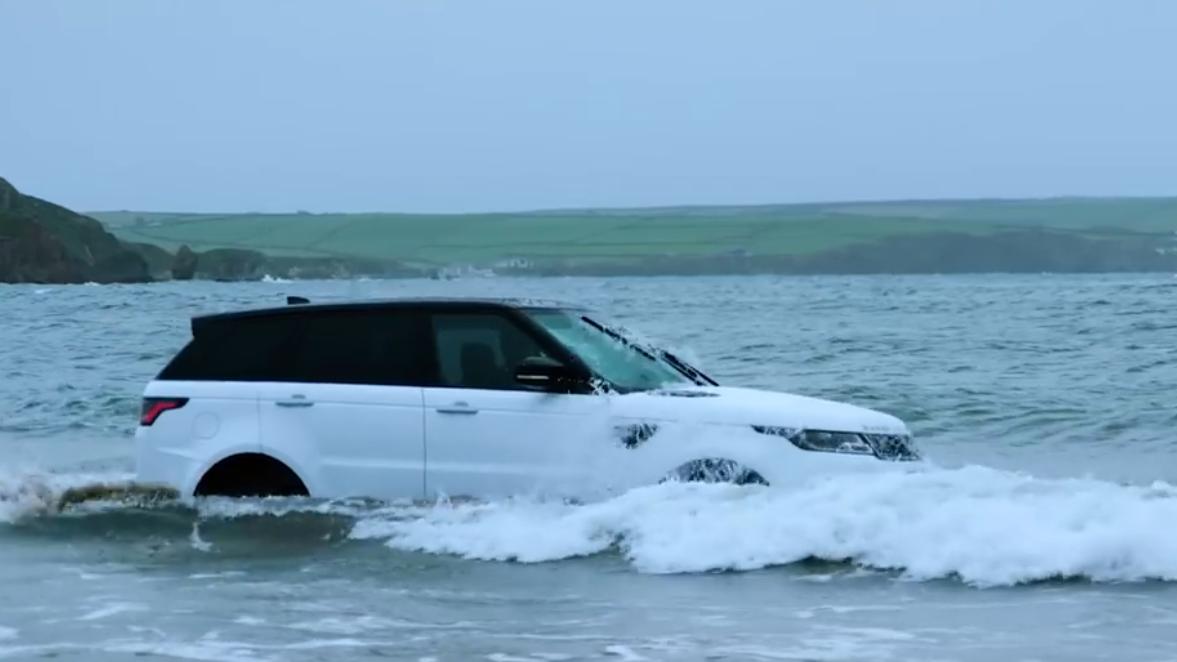 横穿高达850mm的海浪,New Range Rover Sport
