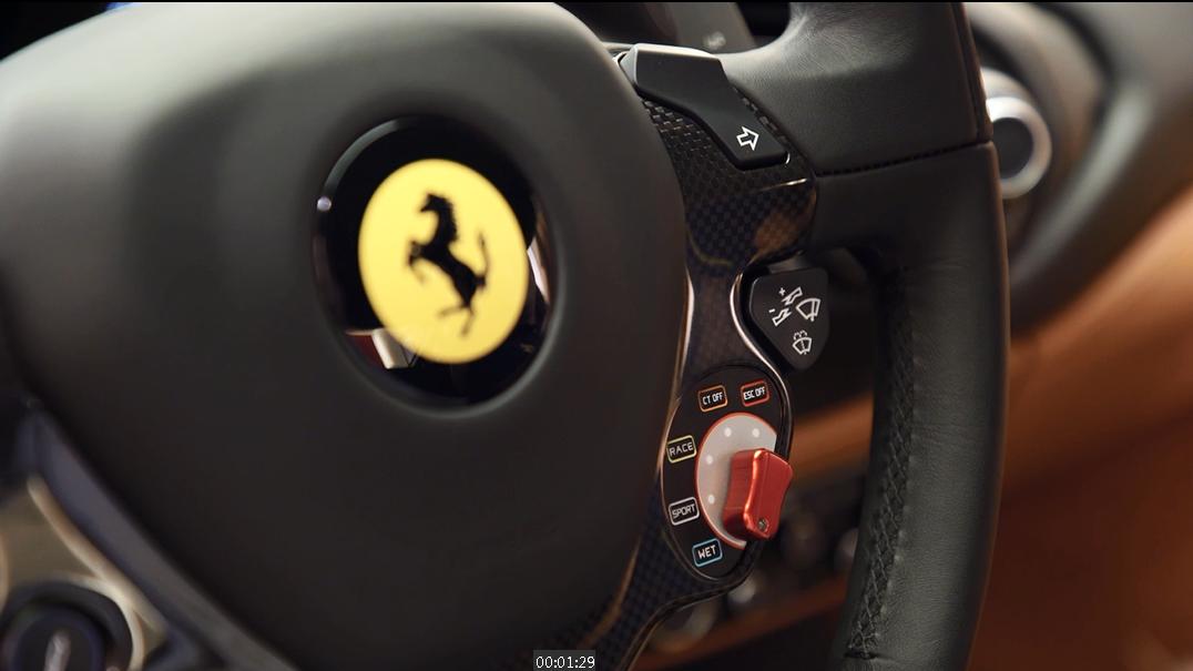 法拉利方向盘上为什么会有F1赛车上的旋钮?