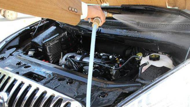 怎样对发动机燃油系统进行免拆清洗?
