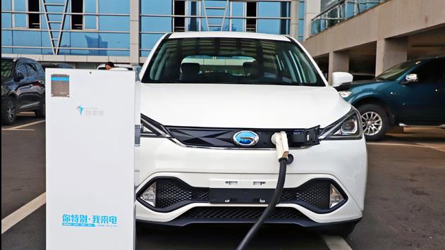 抢先测试广汽三菱祺智EV 电动SUV加速就是猛