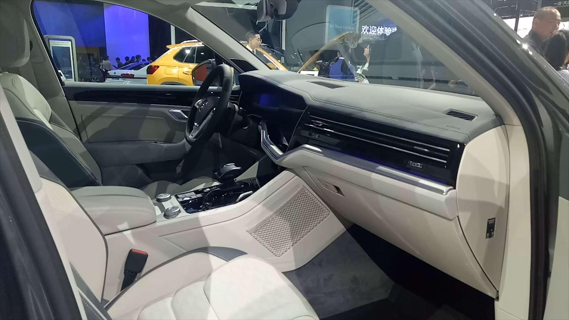 纯进口SUV,比宝马X5奥迪Q7还有气质,却因车标卖不动