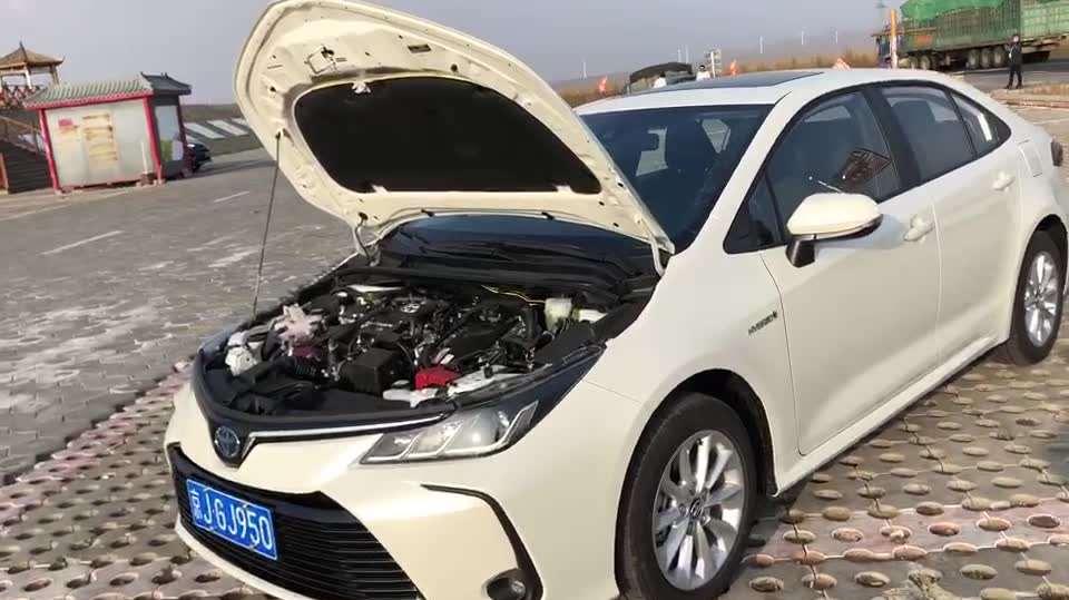 抢鲜看:丰田卡罗拉1.8L双擎版发动机,布局紧凑