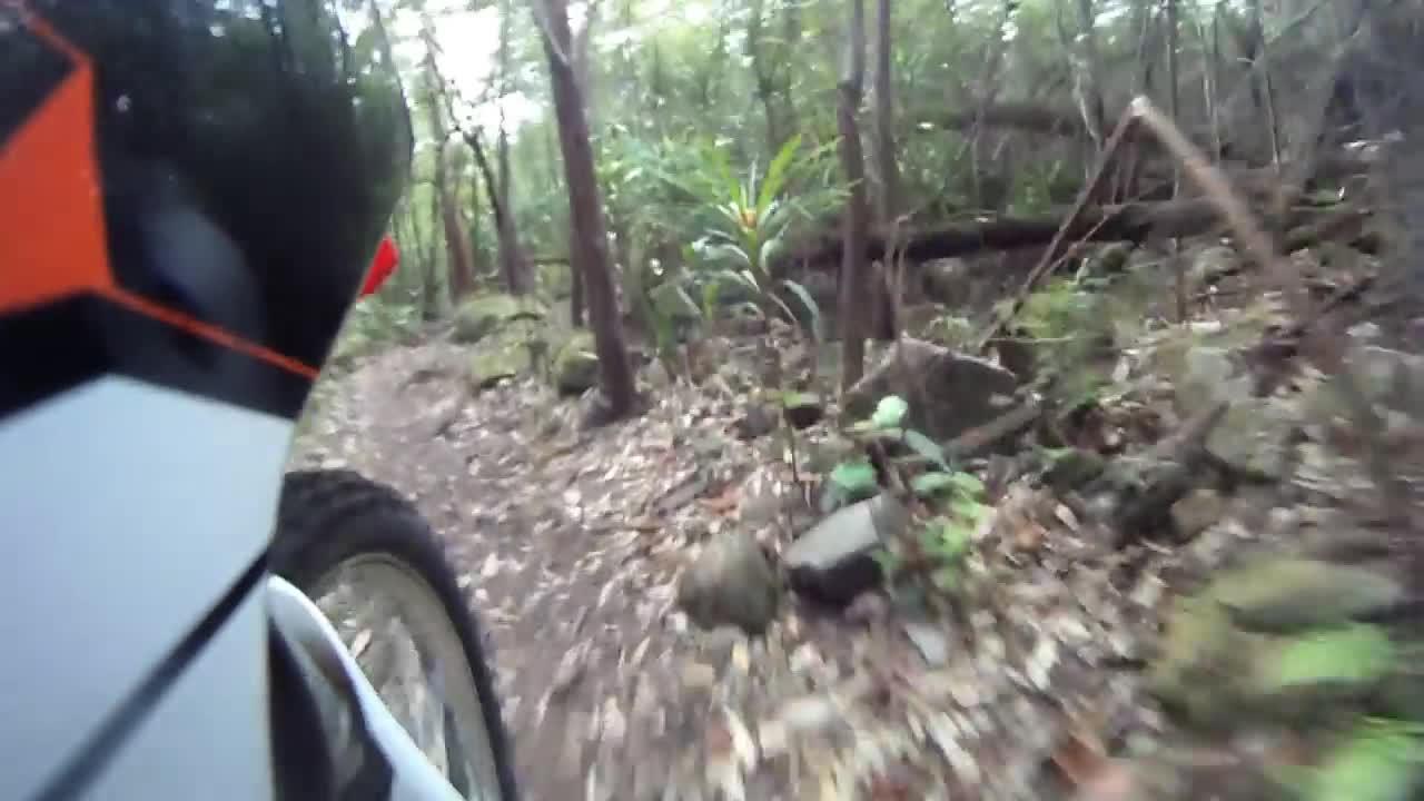 【视频】很强悍的摩托车爬山路都非常轻松