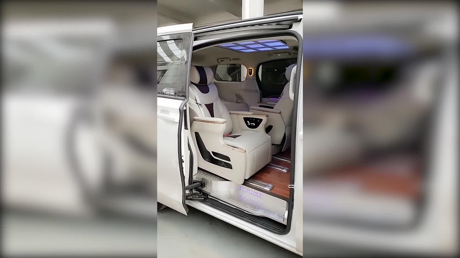 【视频】别克gl8第三排座椅改装,合正车门打开内饰亮了