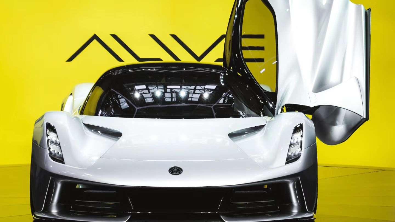 全国限量5台动力2000匹的超跑怪兽!实拍路特斯Evija