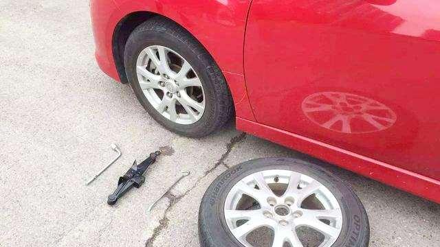车子跑多少公里后,前后轮胎需要对换?里面学问大
