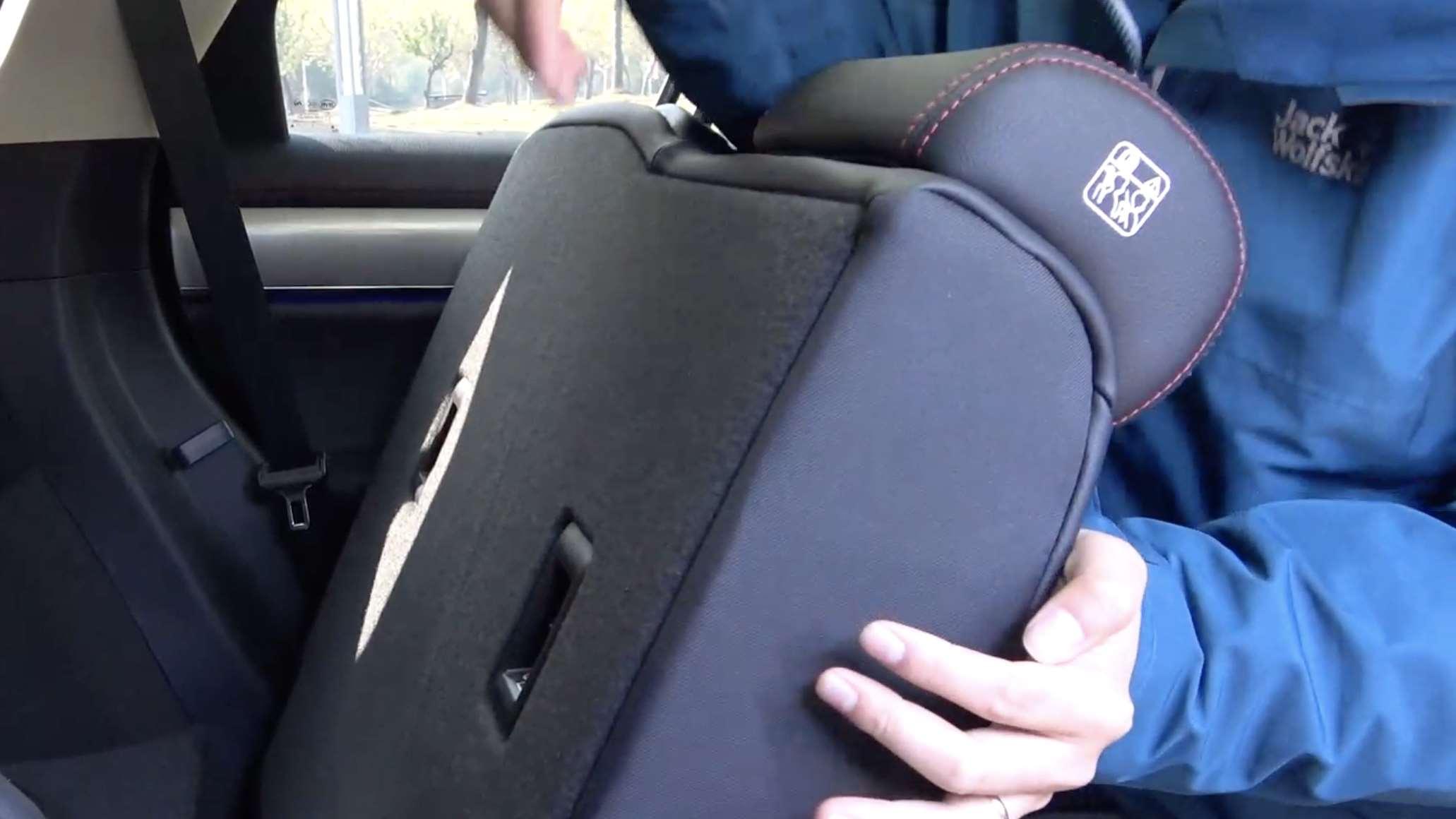 儿童座椅放在车的哪个位置最安全?