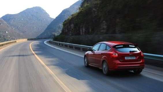 经常跑高速是买轿车好还是SUV好?里面讲究多