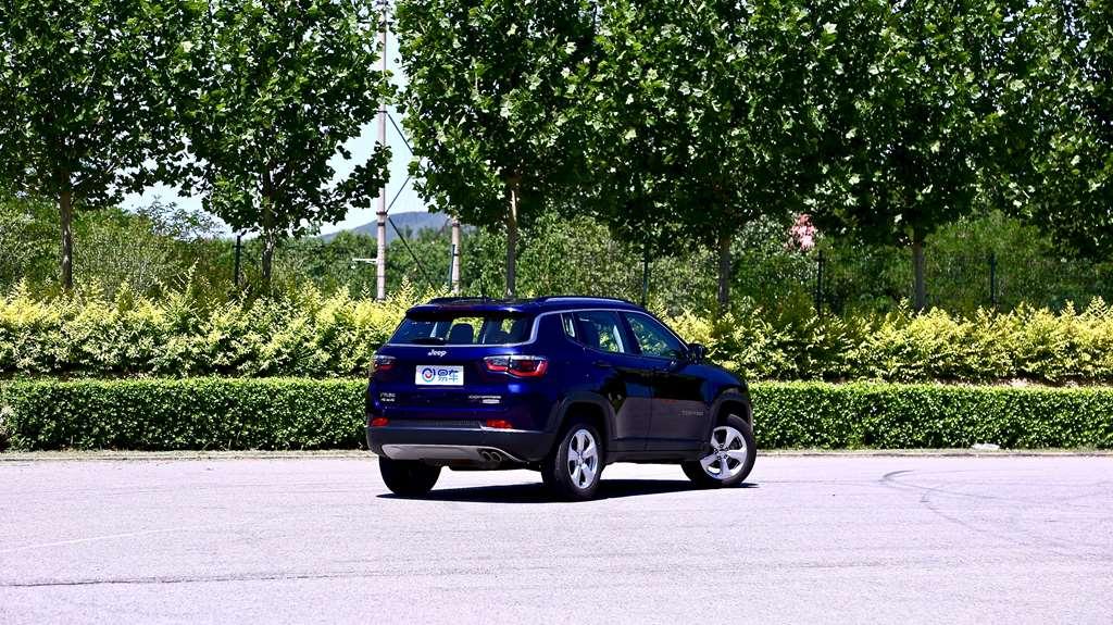 Jeep指南者220T家享四驱版制动测试