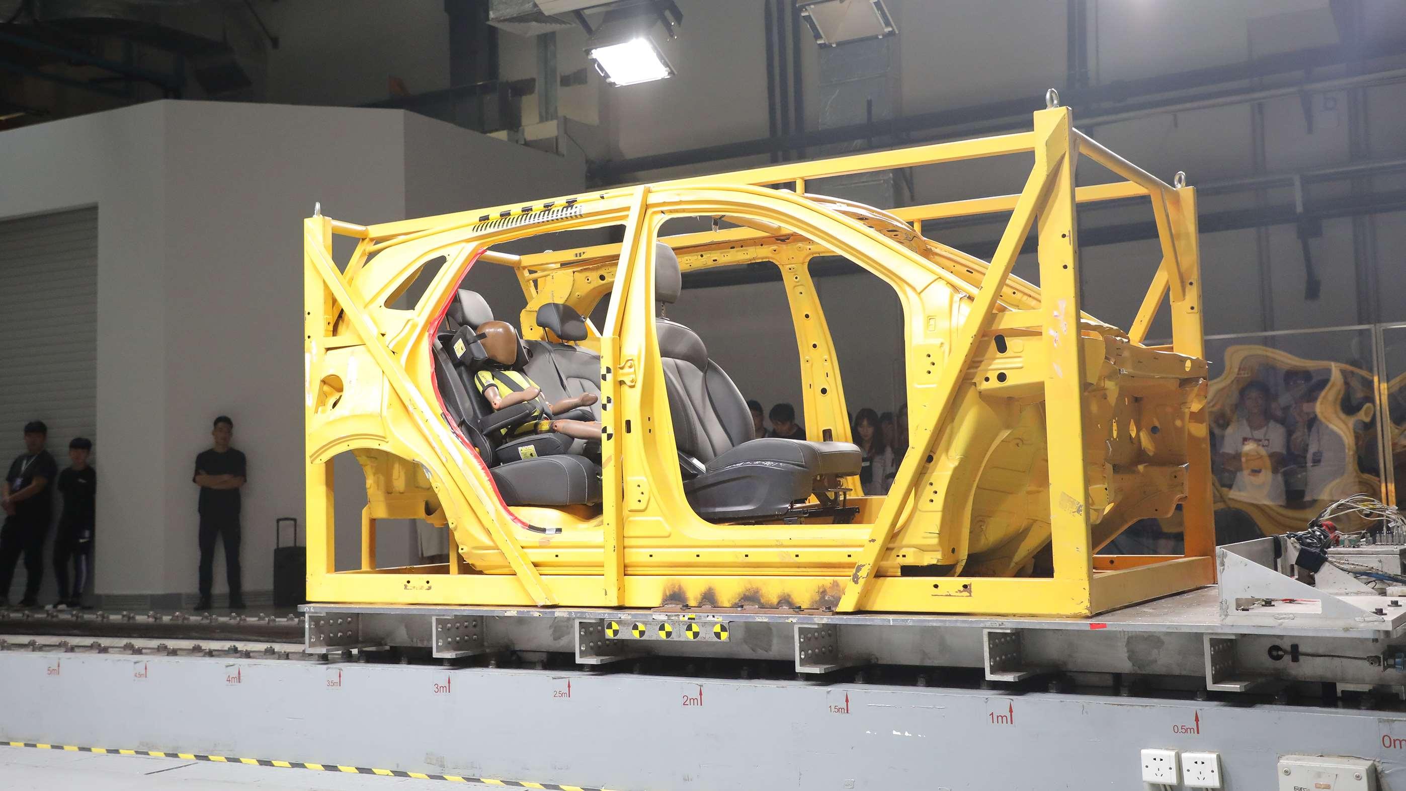 RX3一体式儿童安全座椅滑台测试