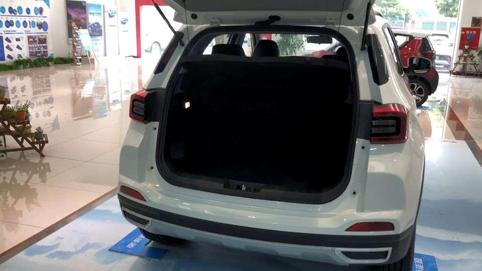 奇瑞新能源车型瑞虎e的尾箱表现没有惊喜