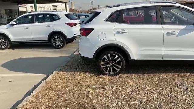 抢鲜看:荣威RX3对比RX5,尾部设计区别较大,轮胎大小有较大差异
