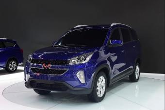 国产神车再推新款,5万起价,坐在车内全不觉是五菱