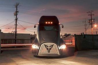 又一电动卡车登场,卖100万提前上市,逼疯特斯拉