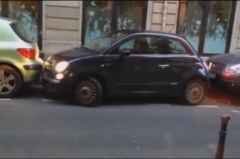 这女司机停车让人大跌眼镜,损失费够重新考本驾照了