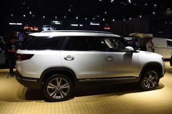 又一款国产SUV黑马诞生,外形似揽胜,7座才8万