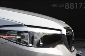 阳光下有她的故事,也有她的全新BMW 5系