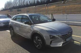续航609公里 试驾现代汽车氢燃料电池车NEXO
